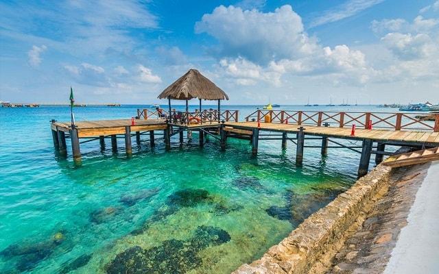 El Cid La Ceiba Beach Hotel, sitios fascinantes