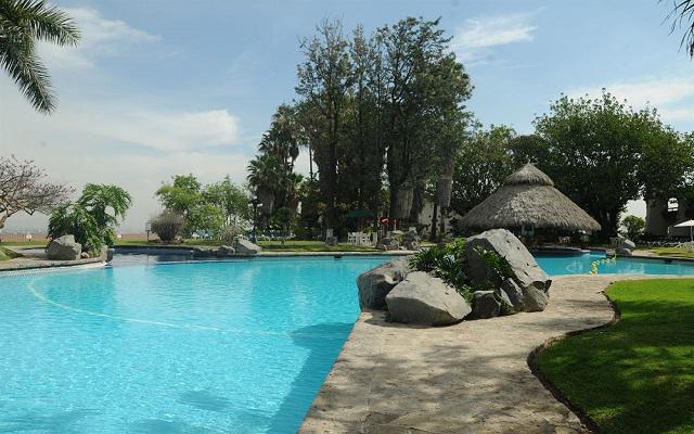 El Tapatío Hotel and Resort, disfruta de su alberca al aire libre