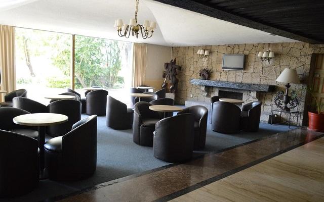 El Tapatío Hotel and Resort, disfruta una copa en el bar