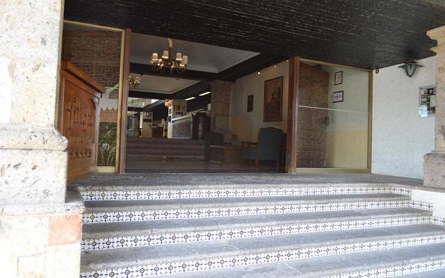 El Tapatío Hotel and Resort, ingreso