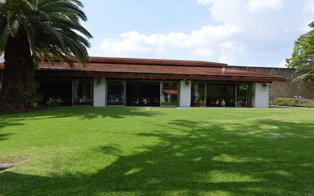 El Tapatío Hotel and Resort, pasea por el jardín