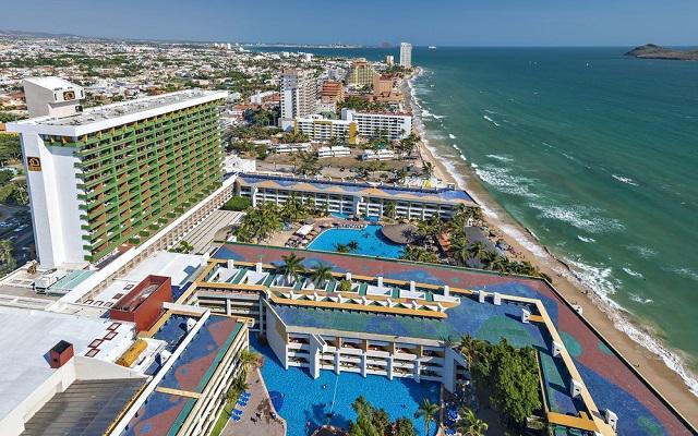 El Cid el Moro Beach Hotel en Zona Dorada