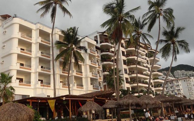 Emperador Vallarta Beachfront Hotel & Suites, amenidades en la playa