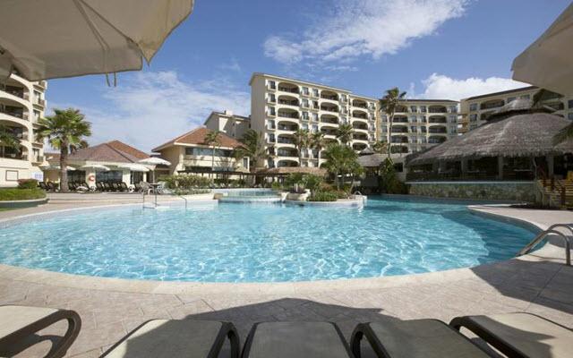 Emporio Hotel & Suites Cancún, disfruta de su alberca al aire libre