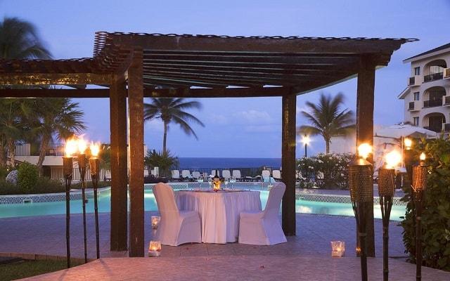 Emporio Hotel & Suites Cancún, cena romántica