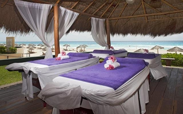 Emporio Hotel & Suites Cancún, permite que te consientan con un masaje