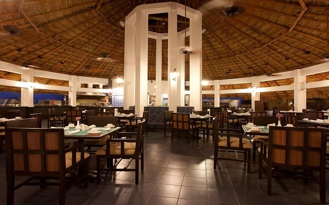 Emporio Hotel & Suites Cancún, Restaurante Condimento