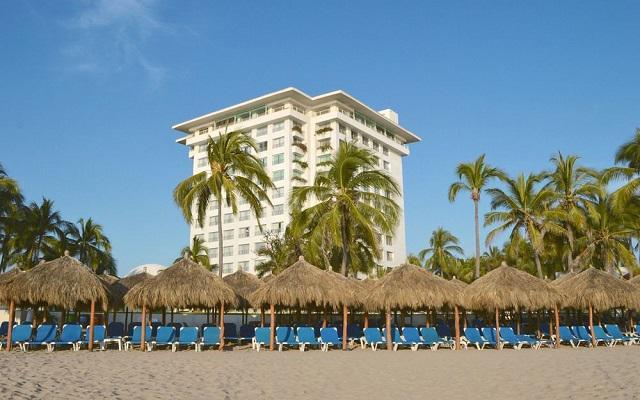 Emporio Ixtapa, amenidades para que disfrutes de la playa