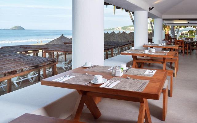 Emporio Ixtapa, tus comidas con hermosas vistas del océano