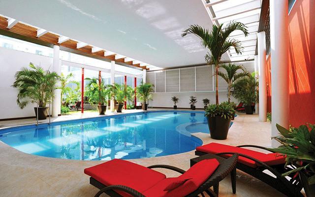 Hotel Emporio Veracruz, alberca techada, un excelente concepto