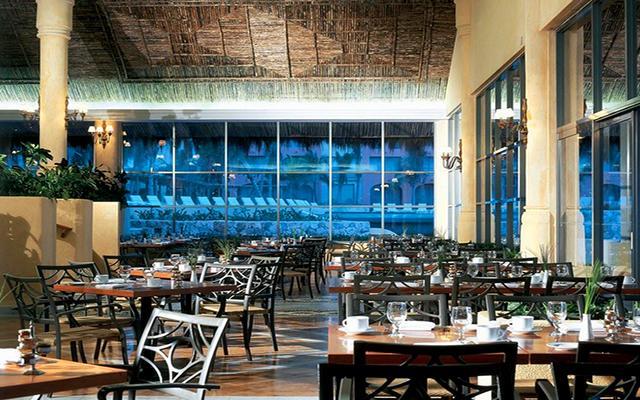 Bonitos restaurantes con decoración moderna.