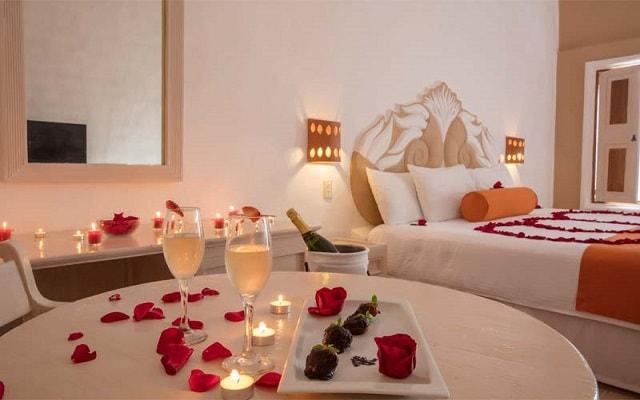 Flamingo Vallarta Hotel y Marina, disfruta un romántico viaje