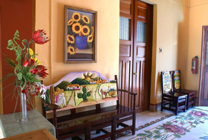 Hotel del peregrino ofertas de hoteles en merida for Habitacion familiar merida