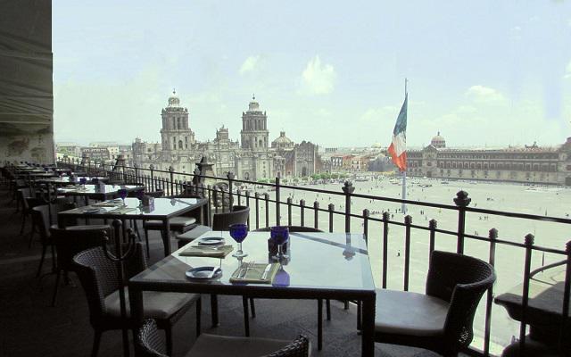 Gran Hotel Ciudad de México, prueba una bebida en el bar con excelente vista