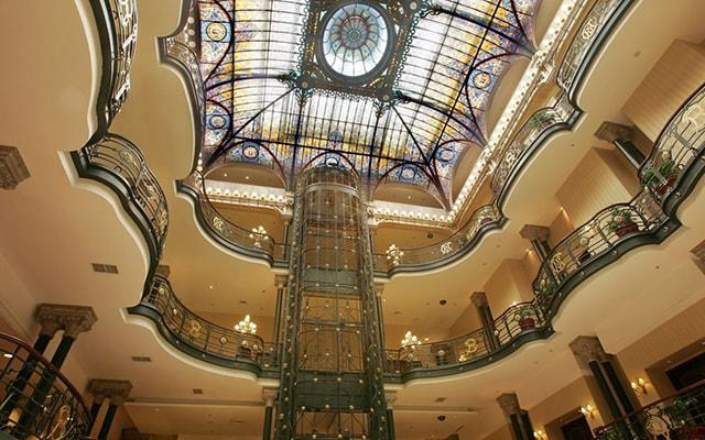 Gran Hotel Ciudad de México, podrás transportarte a la época parisina del siglo XIX