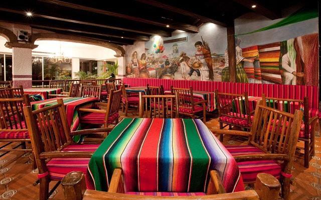 Gran Plaza Hotel Acapulco, Restaurante Los Arcos