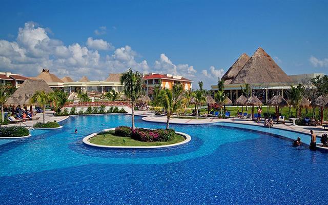Hotel Grand Bahía Príncipe Cobá, disfruta de su alberca al aire libre