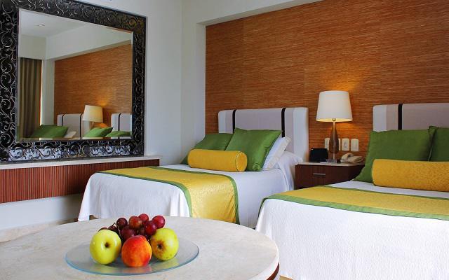 Paquete especial de fin de semana con grand hotel acapulco for Hoteles con habitaciones familiares