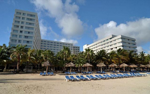 Grand Oasis Palm Cancun cuenta con 385 modernas habitaciones de estilo europeo