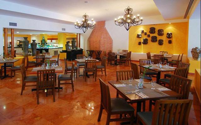 Atmósfera tranquila y buen servicio a la hora de comer