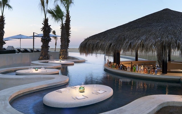 Grand Solmar at Rancho San Lucas Resort, Golf and Spa, disfruta una copa en el bar