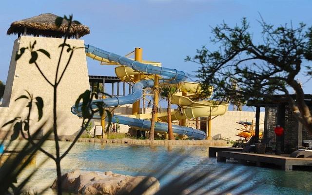 Grand Solmar at Rancho San Lucas Resort, Golf and Spa, alberca con tobogán