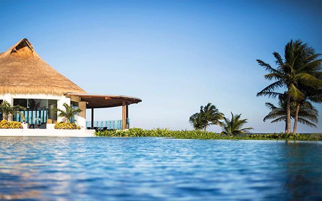 Hotel Grand Velas Riviera Maya Luxury All Inclusive, disfruta de su alberca con borde infinito