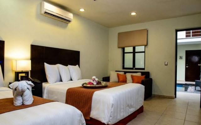 H177 Hotel Vista A Patio Interior