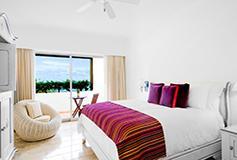 Habitación Suite de Una Recámara King con Piscina del Hotel Camino Real Zaashila