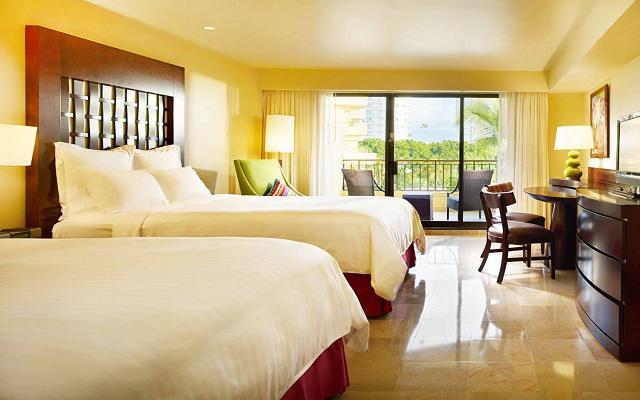 Habitación Vista al Jardín Desayuno Buffet y Kids Club GRATIS del Hotel Hotel Marriott Puerto Vallarta Resort & Spa