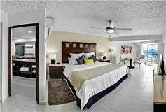 Habitación Habitación de Lujo Vista al Mar Elite del Hotel El Cid La Ceiba Beach Hotel