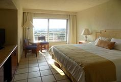 Habitación Superior Vista a la Montaña del Hotel Emporio Ixtapa