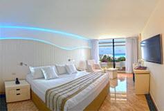 Habitación Grand del Hotel Grand Oasis Sens
