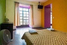 Habitación Estándar Doble con Balcón No Reembolsable del Hotel Hostel Amigo Suites