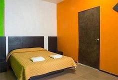 Habitación Estándar Doble con Balcón del Hotel Hostel Amigo Suites