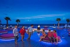 Habitación Xhale Club Junior Suite Doble Frente al Mar del Hotel Hotel Breathless Riviera Cancun Resort and Spa