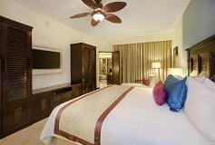 Habitación Suite de Dos Recámaras Vista al Mar del Hotel Hotel Casa Dorada Los Cabos