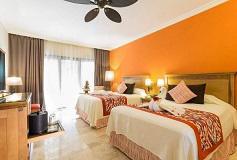 Habitación Deluxe Triple del Hotel Hotel Grand Palladium Colonial Resort and Spa