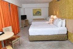 Habitación Junior Suite Dos Camas Matrimoniales del Hotel Hotel HS HOTSSON Smart Acapulco