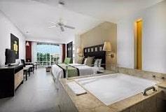Habitación Junior Suite con Jacuzzi del Hotel Hotel Marina El Cid Spa and Beach Resort