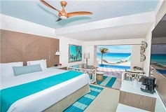 Habitación Gran Junior Suite Beachfront Swim Up del Hotel Hotel Panamá Jack Resorts Gran Caribe Cancún