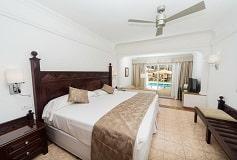 Habitación Junior Suite Piscina del Hotel Hotel Riu Palace Cabo San Lucas