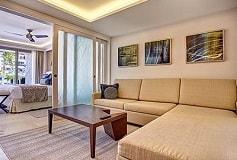 Habitación Luxury Family Suite Vista al Mar del Hotel Hotel Royalton Riviera Cancún Resort and Spa
