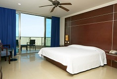 Habitación Luxury Suite con Vista Parcial al Mar del Hotel Hotel Seadust Cancún Family Resort