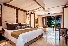 Habitación Preferred Club Jr Suite Vista al Mar Swim Out King del Hotel Hotel Secrets Playa Mujeres Golf and Spa Resort Todo Incluido - Solo Adultos