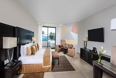 Habitación Sun Club Junior Suite Oceanfront with Jacuzzi del Hotel Hotel Sunscape Akumal Beach Resort & Spa