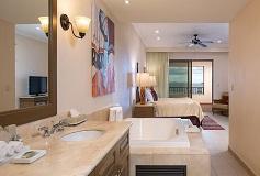Habitación Suite de Tres Recámaras del Hotel Hotel Villa del Palmar en las Islas de Loreto