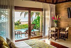 Habitación Beach Front Villa del Hotel Le Reve Hotel and Spa