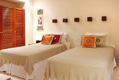 Habitación Dos Recámaras del Hotel Porto Playa Condo Hotel and Beach Club