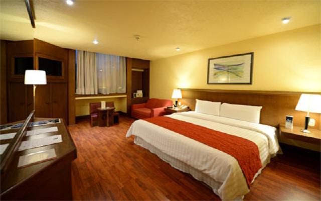 Habitación Master Suite con Una Cama King No Fumar del Hotel Hotel Ramada Vía Veneto Ciudad de México Sur
